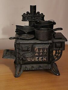 Vintage Miniature Cast Iron Queen Stove Salesman Sample with Accessories Extras