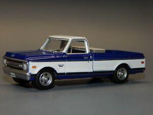 2Greenlight 1:64 scale 1971 Chevrolet C10 Cheyenne Blue w/ White Cove & Top VHTF