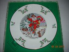 """Royal Doulton """"Me 00004000 rry Christmas"""" 1982 Plate"""