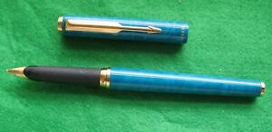 A MOTTLED TURQUOISE  PARKER 95 FOUNTAIN PEN