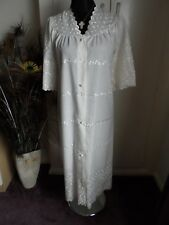 CAMILLE BEAUTIFUL  BRODRIE ANGLAISE CREAM DRESSING GOWN / ROBE NWOT UK SZ 10/12