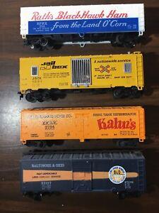4 -- Vintage HO Scale Train Cars $1 Lot #211