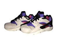 NIKE Air Huarache Run 704949 036 - Girls US Big KID'S SIZE 13C Pink Purple White