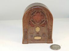 Radio Style Chadwick-Miller Music Box over 3 inches tall (4836)