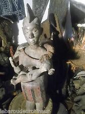 Ancienne statue maternité . Nigéria colectée in situ african art africain prima