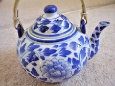 Chinese blue and white  porcelain handled tea pot with cover,8