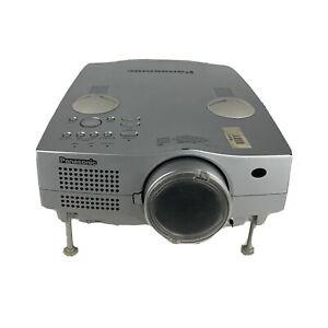 PANASONIC PT-L750U LCD PROJECTOR 100-240 VAC Untested