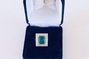 Bague Emeraude  Zambie et diamants or 18K