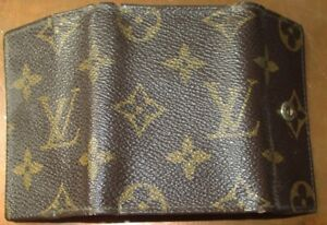 VINTAGE LOUIS VUITTON SIGNATURE FABRIC KEY HOLDER MADE IN USA UNDER LICENSE