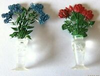 Siku Plastik Blumenserie Vase mit blauen Blumen Rosen Puppenstube 50' Jahre 2 St