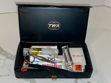 VINTAGE TWA FIRST CLASS MEN'S AMENITY TOILETRY TRAVEL BAG KIT ACCESSORIES
