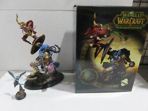 BLOOD ELF ROGUE VS DRAENEI PALADIN Sideshow Diorama World of Warcraft #460/750