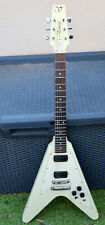 Guitare électrique VANTAGE Flying V (FV575) Ivoire made in Japan (MATSUMOKU)