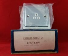 Enfoque sb Lincoln LPC19.1W 1G 1 Gang 2 A 2AMP enchufe no conmutado Cromo Pulido
