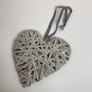 Dunelm Beige Brown Large Wicker Heart Checked Ribbon Home Decor Wall Art Hanging