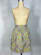 Vintage 1960s cotton sweet ornate pattern apron with pockets and rick-rack trim