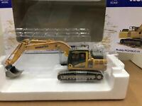 Universal Hobbies 1/50 Komatsu Muddy PC210LC-11 Excavator DieCast Model UH8144