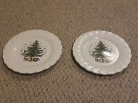 Nikko Holidays Dinner Plates Set of 2 Scalloped Edge Christmas Tree Japan New