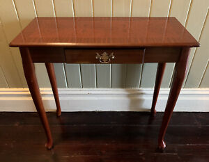 Beautiful Vintage Hall Table Antique Style Stunning Veneer Top With Drawer