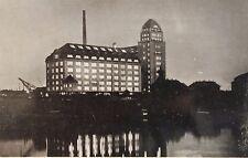 29057 Foto AK Dresden Friedrichstadt Hafen Mühle Bienert mit Kran bei Nacht 1930