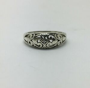 Ladies 9ct White Gold Patterned Ring - Size K1/2 - 05.22017L