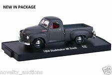 M48 11228 36 M2 MACHINE AUTO DRIVERS 1954 STUDEBAKER 3R TRUCK  1:64