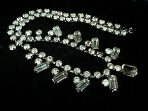 Pretty Vintage 1950s sparkly clear Glass rhinestone necklace