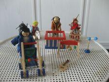 Puppenmöbel für Puppenhaus 11-teiliges Set Kinderzimmer + bewegliche Puppen Holz
