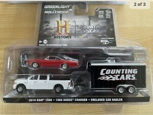 GREENLIGHT HOLLYWOOD 1/64 COUNTING CARS HITCH AND TOW.