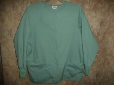 WHITE SWAN LONG SLEEVE SCRUB TOP SIZE S (3 POCKETS) SNAPS IN FRONT, WARM UP