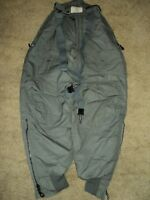 US AIR FORCE TYPE F-1B EXTREME COLD WEATHER TROUSERS NEW SIZE 26 SZ SMALL