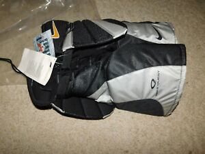 NEW OLD STOCK NIKE QUEST INLINE HOCKEY GIRDLE JUNIOR MED