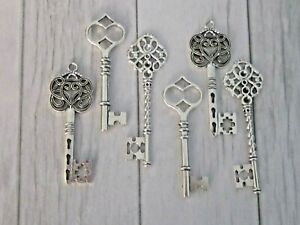 Vintage Style Ornate Steampunk Large Antique Silver Metal Keys Charm DIY Santa 6