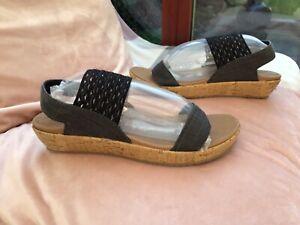 Ladies Skechers LUKE FOAM Sandals Black Stretch Detail Size 4