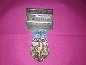 Médaille Commémorative 1939-1945, barrettes Libération Italie Allemagne.WW2.