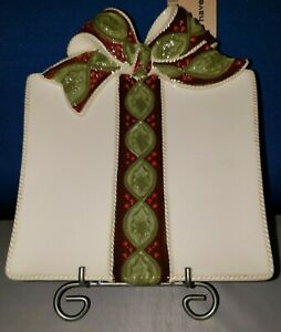 Appetizer Plate Red Ribbon and Holly Theme 8in 454111