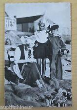 Carte postale CPSM 85 costume sablais reprise filets de pêche voyagée 1954