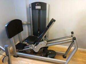 Life Fitness Seated Leg Press