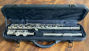 Selma Model 12780 Beginners Flute with Case and Cleaning Kit- Silver