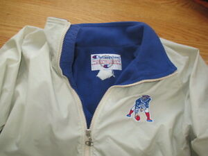 Vintage Champion NEW ENGLAND PATRIOTS Zippered (LG) Medium-Weight Jacket