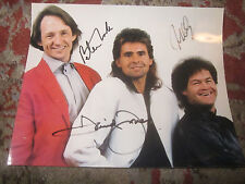 AUTOGRAPHED SIGNED 3 X THE MONKEES DAVEY JONES / MICKEY DOLNEZ / PETE TORK PHOTO