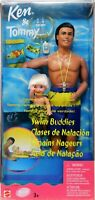 Swim Buddies Classes de Natación Ken & Tommy Foreign Doll Set #26323 NRFB 2000