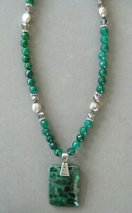 Beautiful Malachite Pendant Necklace with Faceted Agate Beads