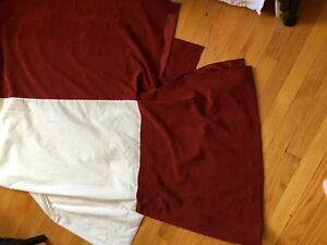 """COUNTRY CURTAINS RUST BED SKIRT 20"""" DROP TWIN SPLIT CORNERS- Great Condition!"""