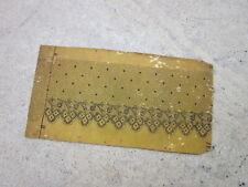 Carton ancien pour large dentelle aux fuseaux 18,3 x 9,5 cm