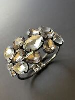 Vintage chunky clear crystal rhinestone hinged bangle bracelet