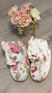 Victorian Trading Slippers, Floral Slippers, 7/8