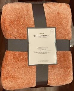 """THRESHOLD Microplush King Size Throw Bed Blanket Soft Colonial Rose-108""""x 92""""USA"""