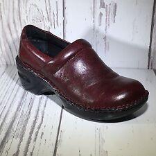 BØC Burgundy Textured Leather Slip On Clogs Size 6.5M Work Comfort