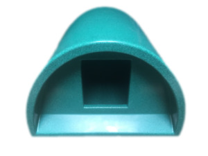 PLASTIC CAT HOUSE AT £51 OUTDOOR CAT KENNEL SHELTER BED